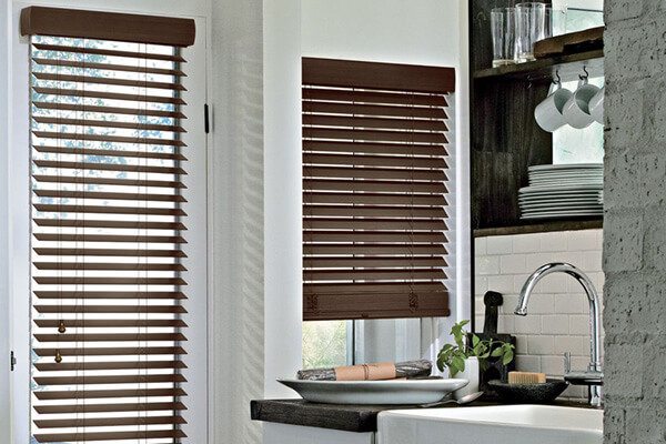 wooden blinds parkland hunter douglas 03